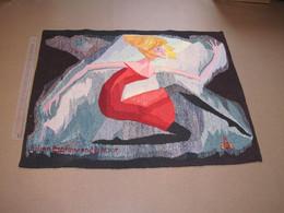 JULIEN BAL - TAPISSERIE AU MOTIF D'UNE JEUNE FEMME - 81cm/106cm - Voir Scans - Rugs, Carpets & Tapestry