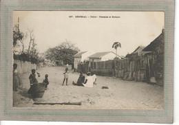 CPA - DAKAR - SENEGAL - Aspect Des Femmes Et Enfants Dans Une Rue Du Village En 1900 - Senegal