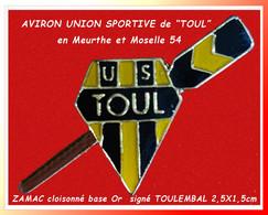 """SUPER PIN'S """"AVIRON"""" : UNION SPORTIVE D'AVIRON De La Ville De TOUL En Meurthe Et Moselle Zamac Cloisonné Base Or 2,5X1,5 - Canottaggio"""