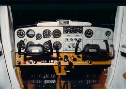 Photo - Aviation - Poste De Pilotage Equipement F152 Ou 172, Reims Aviation - Aviation