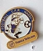 Pin' S  Sport  Foot - Ball , FRANCE  TELECOM, FOOTBALL  C.F.R  MASSY  ( 91 ) - Telecom Francesi