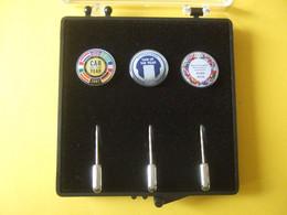 Pin Geschenkbox Mit 3 Seltenen Nadeln Vom Autohersteller Ford 2007/2006 - Ford