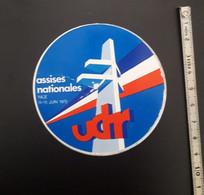 BADGE UDR ASSISES NATIONALES NICE JUIN 1975 - Organizaciones