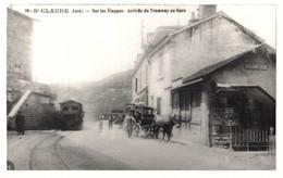 39 SAINT-CLAUDE    CPA Photo   Sur Les Etappes - Arrivée Du Tramway En Gare - Saint Claude