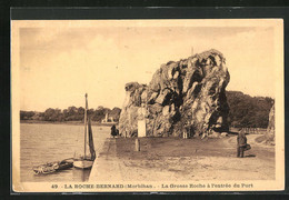 CPA La Roche-Bernard, La Grosse Roche à L`entrée Du Port - La Roche-Bernard