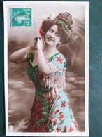 Fantaisie ,jeune Femme à La Robe Imprimée....petits Points De Gouache - Vrouwen
