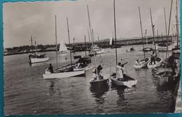 50 Manche CPSM St Saint Vaast La Hougue Bassin Des Yachts Et Entrée Du Port   1964 - Saint Vaast La Hougue