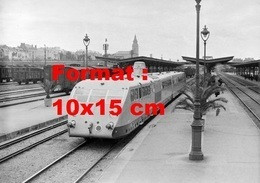 Reproduction D'une Photographie Ancienne Du Train Automotrice Bugatti En Gare De Vichy En 1934 - Reproductions