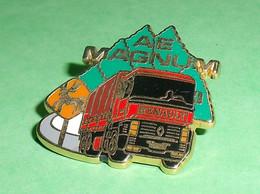 Pin's / Automobile : AE , MAGNUM Renault , Arthus Bertrand   TB2W - Ferrari
