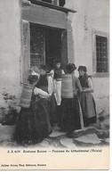 A/181           Suisse           Femmes Du Lofschtenhal  - Costume Suisse - Autres