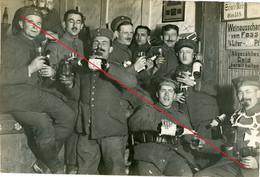 Carte Photo Allemande - Soldatenleben Bier Alkohol Werbung  51.Reserve Divison .Reserve Infanterie Regiment 234 - 1914-18