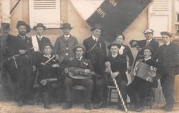 SAINT-ETIENNE-du-BOIS - Les Conscrits 1914 - Musiciens - Joueurs De Vielle, De Pipeau & D'Accordéon - Carte-Photo - Other Municipalities