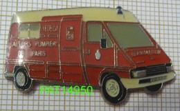 SAPEURS POMPIERS DE PARIS REANIMATION RENAULT MASTER TRAFIC AMBULANCE - Firemen