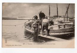 TOULON (VAR) * SCAPHANDRE * SORTIE DE L'EAU * Phot. édit.Couturier * Carte N° 207 * - Toulon