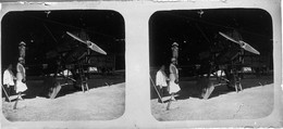Plaque De Verre Photo Stéréo Positive Avion Circa 1920 Cambodge Prey Veng  13 X 6 Cm  --- GF - Aviation