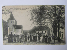 Angoisse, Dordogne, La Place De L'église - Otros Municipios