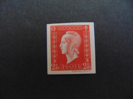 N° 693** Marianne De Dulac. Rare. Cote: 900€ - Imperforates