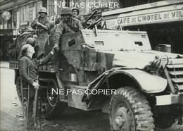LIBERATION De PARIS Soldats De La 2ème DB Hôtel De Ville Août 1944 WWII Leclerc - Guerra, Militari