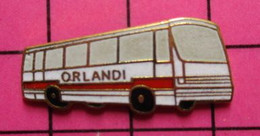 SP09 Pin's Pins / Beau Et Rare / THEME : TRANSPORTS /  AUTOBUS ROUTIER ROUGE ET BLANC ORLANDI - Transportation