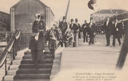 50   Cherbourg Voyage Présidentiel , Le Président Va S'embarquer Sur La Chaloupe - Cherbourg