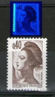 Variété Liberté 2183**_bande à Gauche_voir Scan Sous UV_(signé??)_(V651) - Varietà: 1980-89 Nuovi