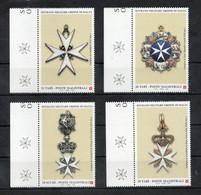 S.M.O.M.- 2002 - Antiche Insegne Dell'Ordine - 4 Valori - Nuovi ** - Con Bordo Di Foglio - (FDC30257) - Malte (Ordre De)