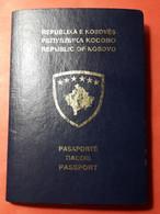 Kosovo Blue PASSPORT Travel Document, RRR Expired 2020, NOT HOLED Or CANCELLED RRRR - Documentos Históricos