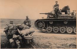 Foto - WK II - Dt. Wehrmacht - Panzer Und Motorrad In Rewne (Ukraine) - War 1939-45