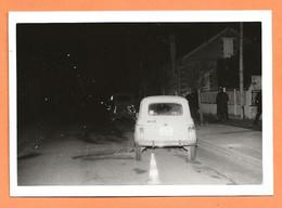 PHOTO ORIGINALE 1976 CHAMBLY OISE (60) - ACCIDENT DE VOITURE RENAULT 4L - R4 R 4 - CRASH CAR - Auto's