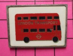 SP11 Pin's Pins / Beau Et Rare / THEME : TRANSPORTS / AUTOBUS URBAIN ANGLAIS ROUGE LONDON TRANSPORT - Transportation
