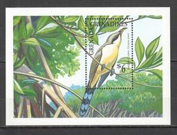 H986 GRENADA GRENADINES FAUNA BIRDS TREES 1BL MNH - Cuckoos & Turacos
