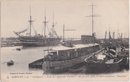 """Bv - Cpa LORIENT - Le """"Calédonien"""", Ecole Des Apprentis Fusiliers - Au Premier Plan, Le Contre Torpilleur """"Boutefeu"""" - Lorient"""