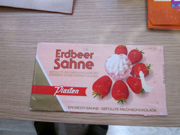 Chocolate Wrapper Erdbeer Sahne Piasteb - Chocolat