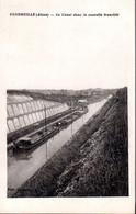 VENDHUILE  -  Le Canal Dans La Nouvelle Tranchée  -  Nombreuses Péniches - Other Municipalities