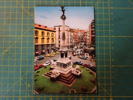 35483/3 Cartolina Di Napoli Con Molte Auto D' Epoca Anche Renault 4 - Toerisme