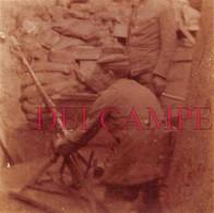 Photographie En 1917 : Tranchée Boche En Flandres / Nord France- Soldats Allemands - Guerre 14 - 18 - Oorlog, Militair