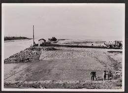 Photo Originale Honfleur - Travaux - Construction De La Cale De Lancement - Terre Plein Est - 18 Novembre 1948 - Luoghi