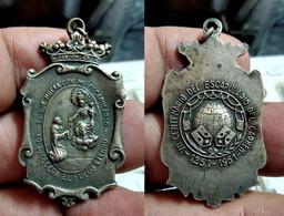 Medalla Religiosa El Que Muere Con Mi Escapulario, No Padecerá El Fuego Eterno (1251 - 1951) (CX#01-498) - Otros