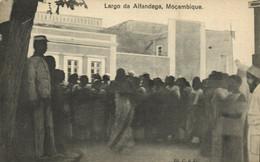 PC CPA MOZAMBIQUE, LARGO DA ALFANDEGA, Vintage Postcard (b24878) - Mozambique