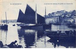 AUDIERNE - L'arrivée Des Bateaux De Pêche Au Crépuscule - Très Bon état - Audierne