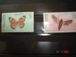 NOUVELLE-CALEDONIE   ANNEE 1967  NEUFS   N° YVERT  POSTE AERIENNE N°92 ET 93          PAPILLONS DIVERS - Collezioni (senza Album)