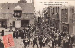 S20-005 Douarnenez - La Place De La Croix - La Procession Du Sacré-Coeur - Douarnenez