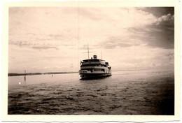 """Photo Originale Entrée Du Port Du Bateau """" Austria """" Vers 1950 - Bateaux"""