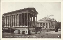 NIMES , La Maison Carrée Et Le Théâtre , CPSM ANIMEE - Nîmes