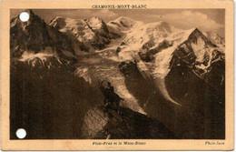 41kp 85 CPA - CHAMONIX - MONT BLANC - PLAN PRAZ ET LE MONT BLANC (holes) - Chamonix-Mont-Blanc