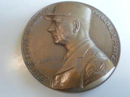 """Medaille Bronze Maréchal Delattre De Tassigny . P. TURIN.. """"Ne Pas Subir"""" Ø 7 Cm. - Non Classés"""