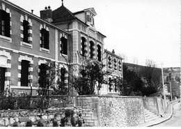LAROQUE - La Mairie - Très Bon état - Otros Municipios