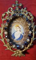 Miniatura Madonna Su Porcellana Con N. 30 Strass E Sigillo Primi '800 (H77) Come Da Foto Bellissima  9,0 X 6,0 Cm - Personen