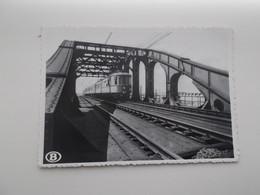 MECHELEN: Electrische Trein Op Een Vierendeel-brug - NMBS - SNCB - TREIN - TRAIN - Treni