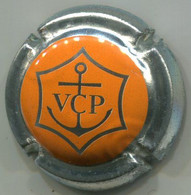 CAPSULE-CHAMPAGNE CLICQUOT PONSARDIN N°155 Orange, Contour Métal, Avec Signature - Clicquot (Veuve)